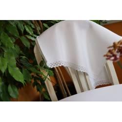 Két oldalán széles csipkés piké konyharuha